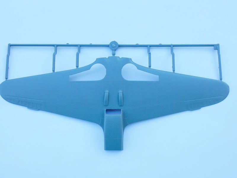 "Yak-3 Special Hobby 1/32 ""Hi tech kit"" Dscn2849"