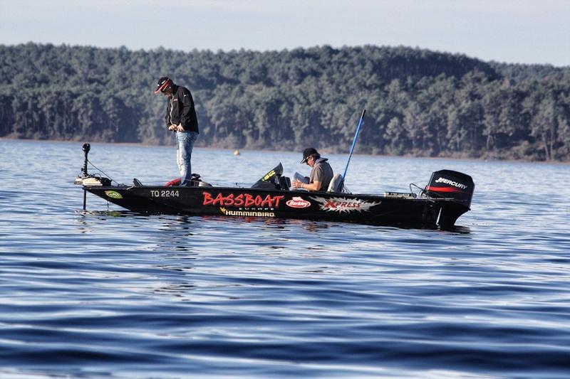 cherche bassboat 12185411