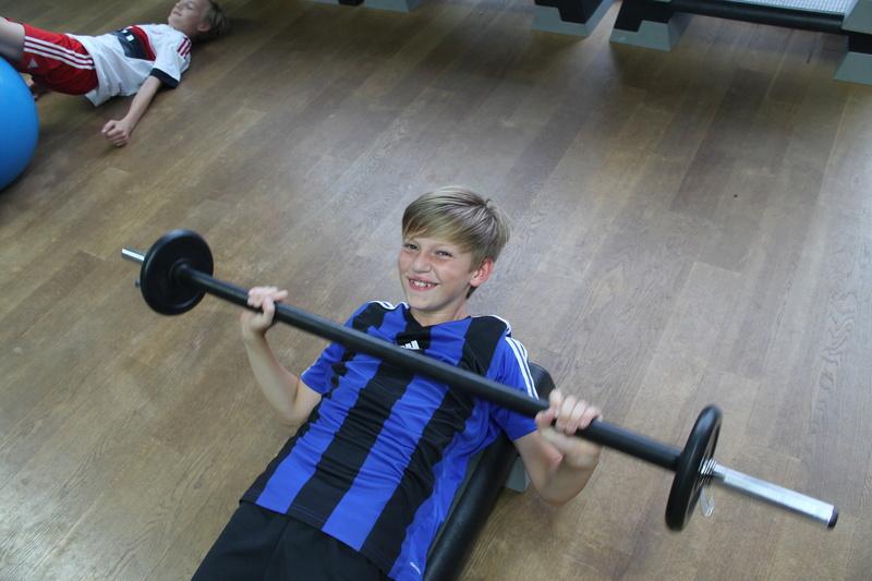 Trainingseinheit im Fitnesstudio premium SPORT Img_6523