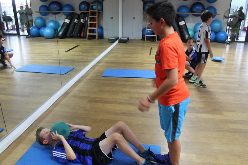 Trainingseinheit im Fitnesstudio premium SPORT Img_6524