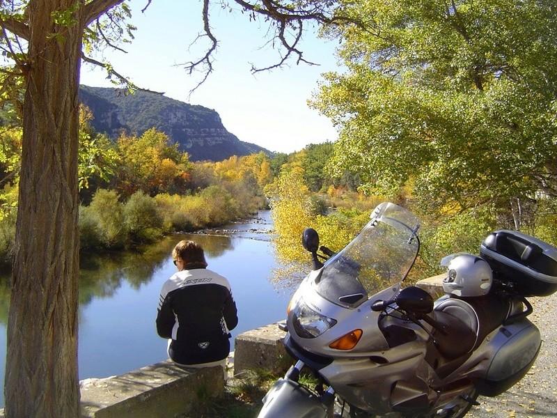 Concour Photo d'Octobre: le V2 Honda au bord de l'eau + [VOTES] Dsc02510