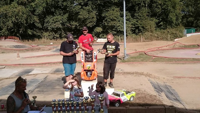 MRCP Racing champion de france 2016 en 4*4 sur losi TLR 5ive 14322310