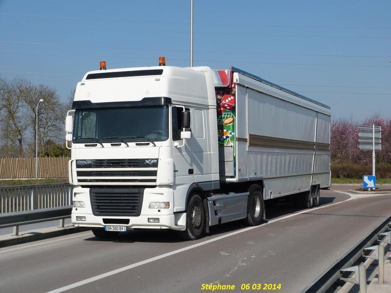 Les Camions des forains - Page 5 P1200515