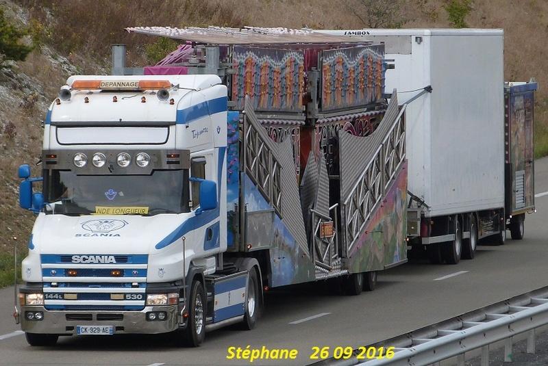 Les Camions des forains - Page 5 P1350233