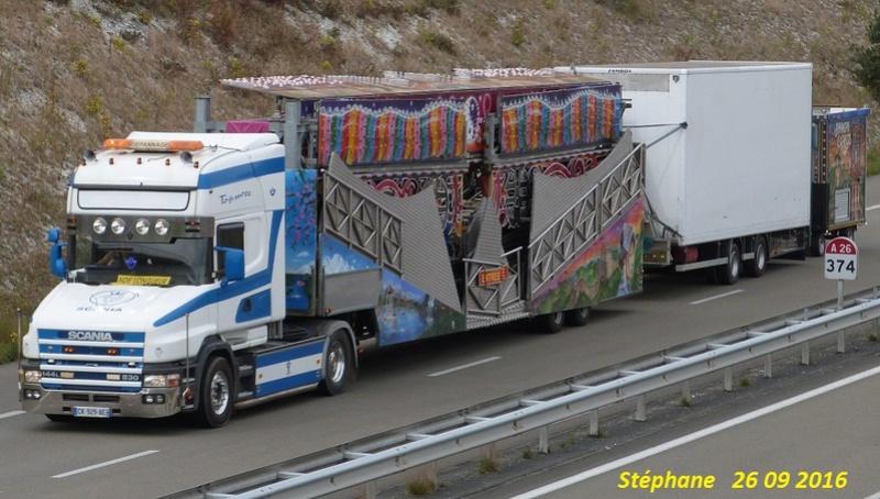 Les Camions des forains - Page 5 P1350234