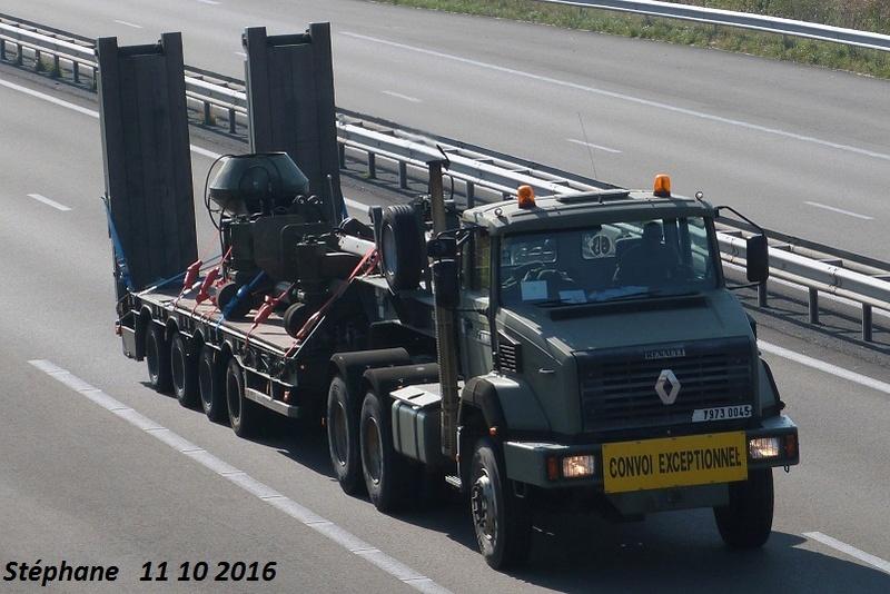Camions de l'Armée - Page 15 P1350866