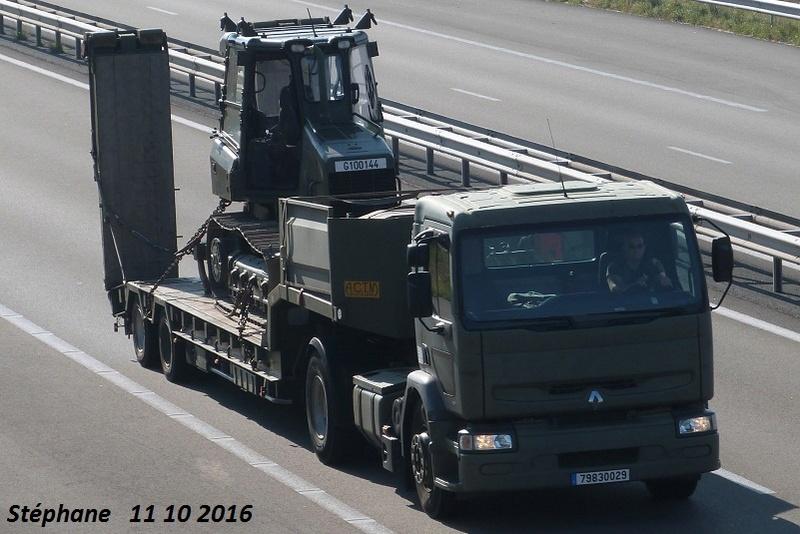 Camions de l'Armée - Page 15 P1350867