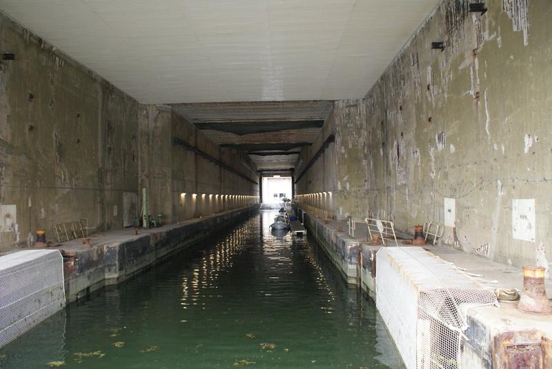 Base de sous-marins Lorient Dsc06211