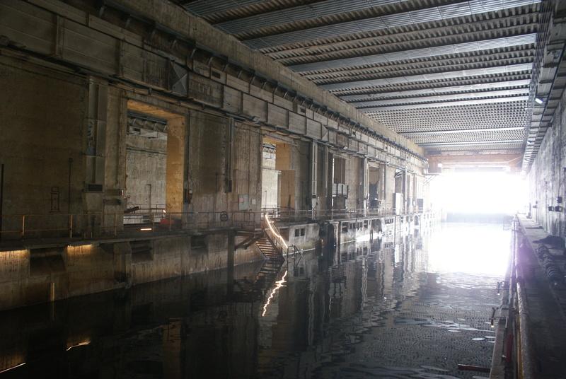 Base de sous-marins Lorient Dsc06215