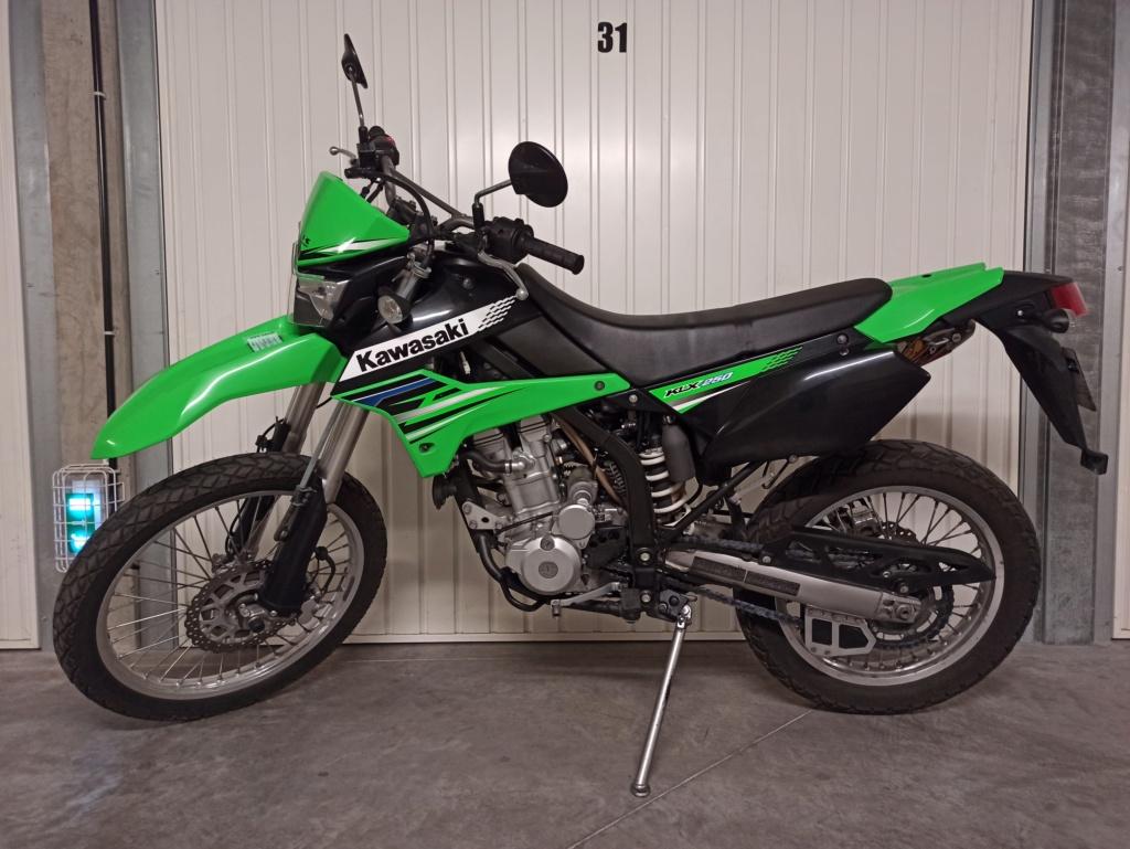 Un pneu dans la terre : KLX 250 Img_2011
