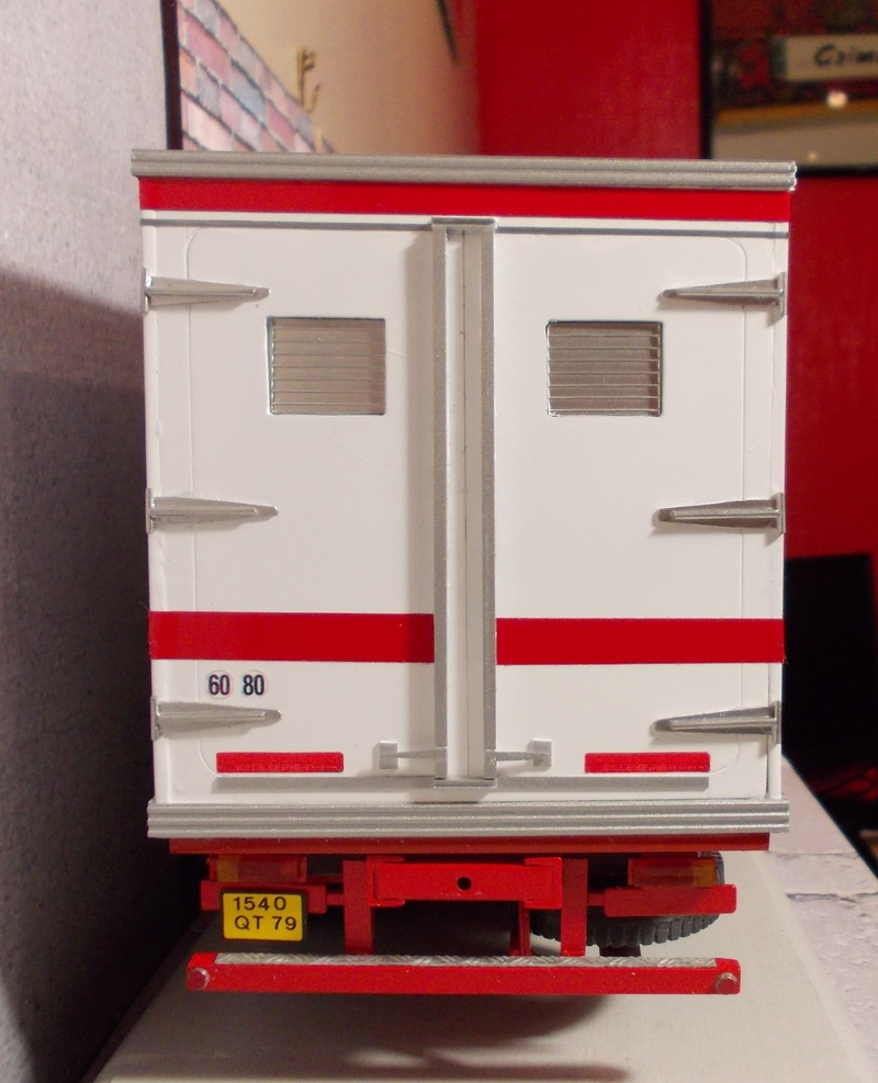 Scania 111 Frigo 6 roues... Dscn2715
