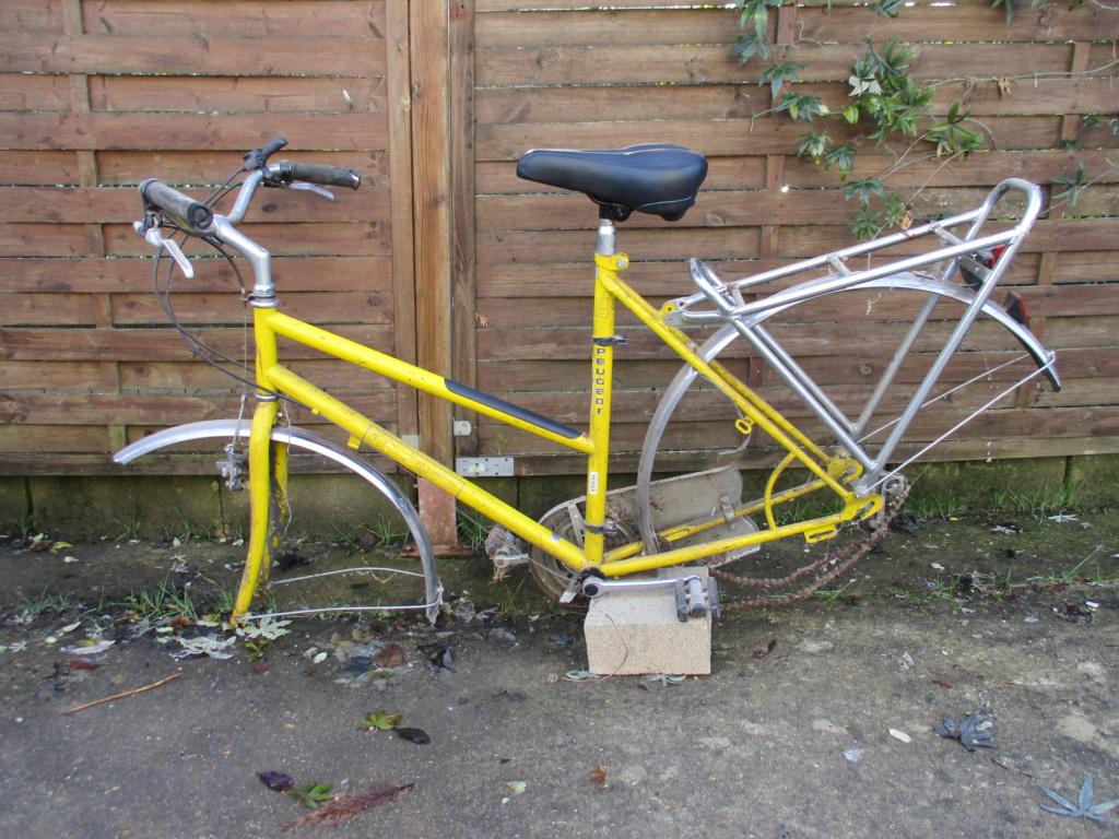 Vélo peugeot du facteur Img_1110