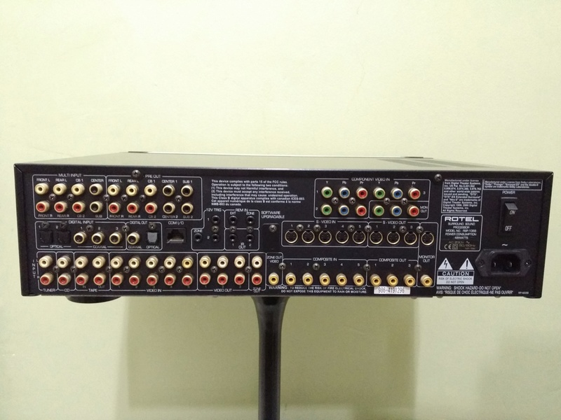 ROTEL RSP-1068 Surround DAC Preamplifier 7.1 channel Processor  Img_2113