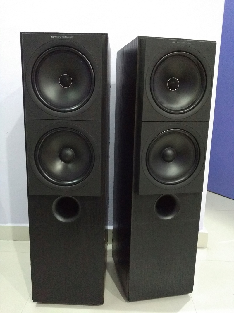 KEF Q90 Top of the Q Model Line 3 ways floorstanding Speaker Img_2178