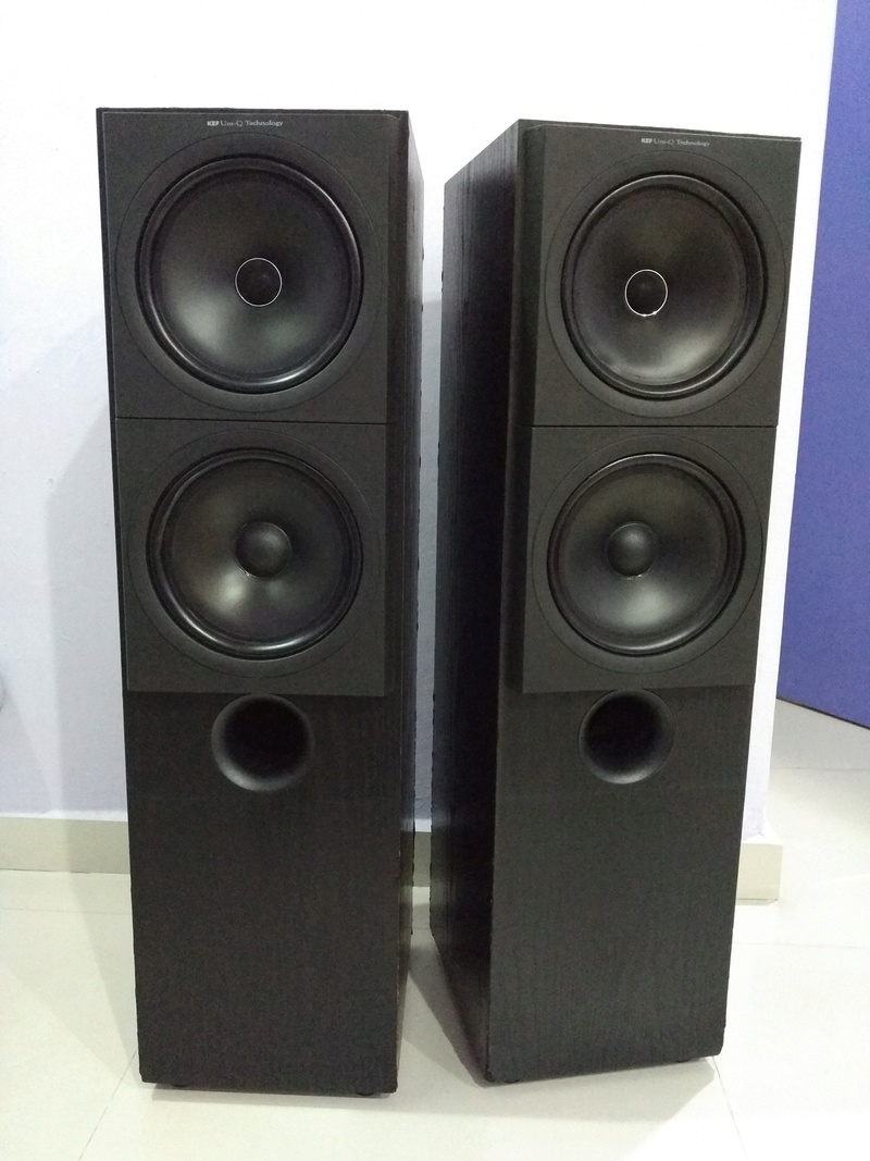 KEF Q90 Top of the Q Model Line 3 ways floorstanding Speaker Img_2181
