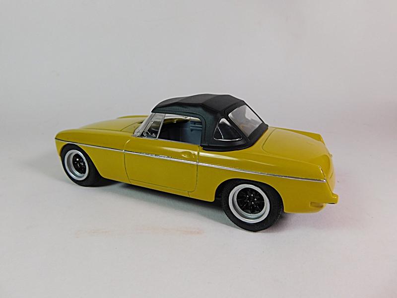 1972 MGB Roadster - Page 2 Dscn6624