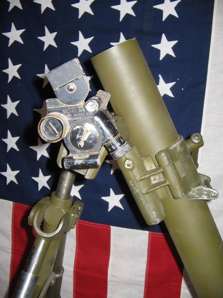 L'ARMEMENT DE LA 4th INFANTRY DIVISION : LE MORTIER M2 DE 60mm M2_0110