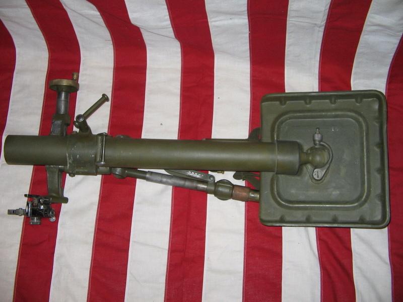 L'ARMEMENT DE LA 4th INFANTRY DIVISION : LE MORTIER M2 DE 60mm M2_0610