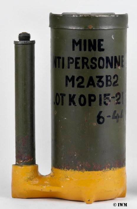 L'ARMEMENT DE LA 4th INFANTRY DIVISION : LA MINE BONDISSANTE M2A1 (et ses variantes) M2a3b210