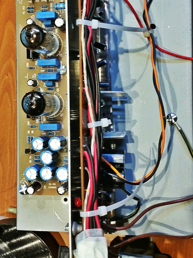 "VintageAmp : TSF + Marshall 10w + buffer à tubes + HP 6"" 15W Jensen A910"