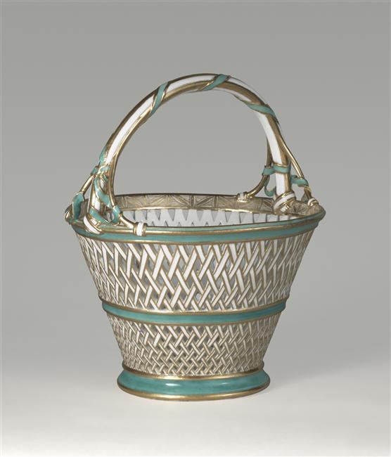 Panier à anse en porcelaine de Vincennes  06-51710