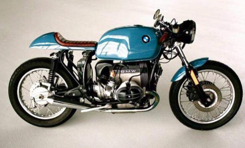 C'est ici qu'on met les bien molles....BMW Café Racer - Page 40 Crc3310