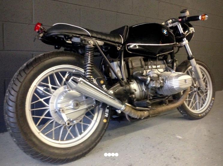 C'est ici qu'on met les bien molles....BMW Café Racer - Page 2 Crc7710