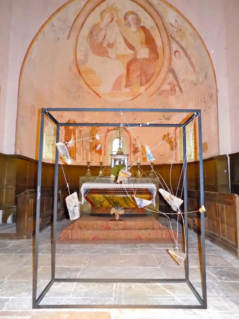 Le château de Nobles, demeure privée du XVIe siècle inscrite aux Monuments Historiques depuis 1946, appartient à la famille de Cherisey qui ouvre ses portes à l'occasion des Journées du Patrimoine en exposant les sculptures de Pascal Déchenaud. Dscn4016