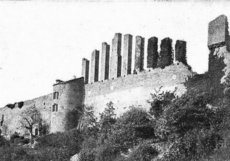 PATRIMOINE Lournand: un château à sauver  L'association Castrum Lordo et sa quarantaine de membres entendent redonner vie au site du château de Lourdon et d'y permettre des recherches. Title-11