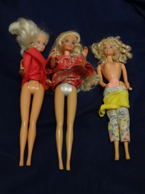 Recherche d'identité des Barbie  - Page 11 Barbie28
