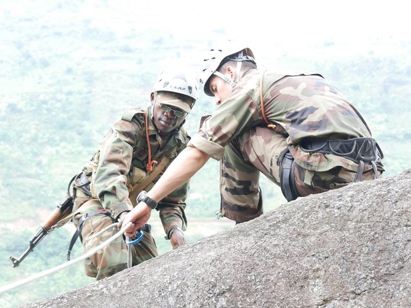 Armée Ougandaise/Uganda Peoples Defence Force (UPDF) - Page 5 5829