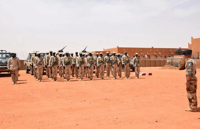 Forces Armées Nigeriennes / Niger Armed Forces ( FAN ) - Page 2 61c12