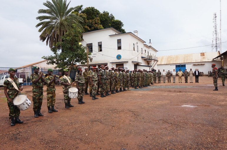 Armées de la République centrafricaine  - Page 2 61d104