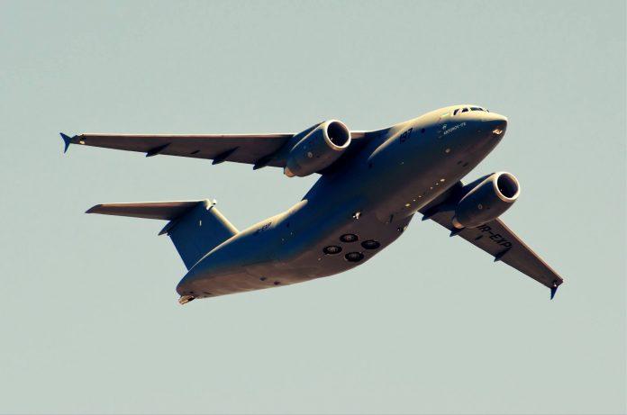 Avions de transport tactique/lourd - Page 5 61d109