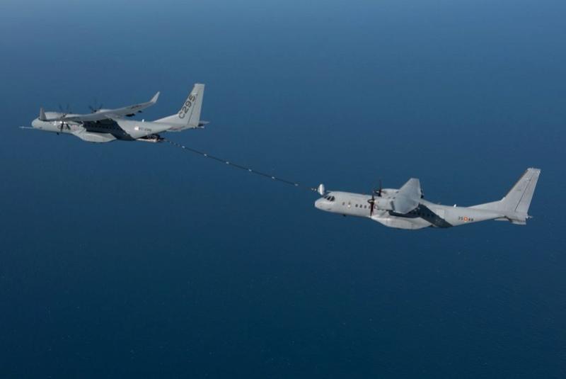 Avions de transport tactique/lourd - Page 5 61d53