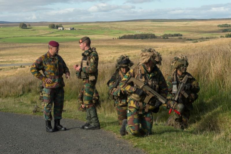 Armée Belge / Defensie van België / Belgian Army  - Page 7 61d93