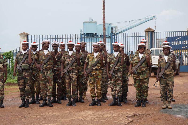Armées de la République centrafricaine  - Page 2 61e102