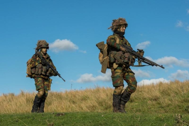 Armée Belge / Defensie van België / Belgian Army  - Page 7 61e90