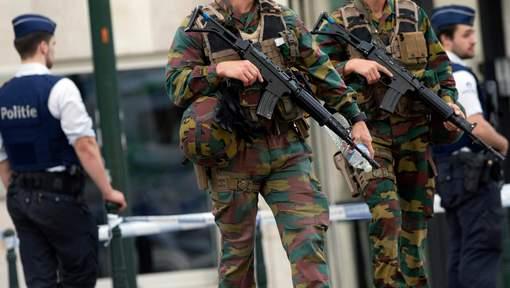 Armée Belge / Defensie van België / Belgian Army  - Page 7 61h53