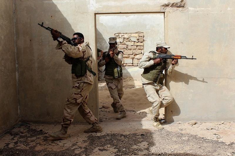 Armée Mauritanienne - Page 10 61h75