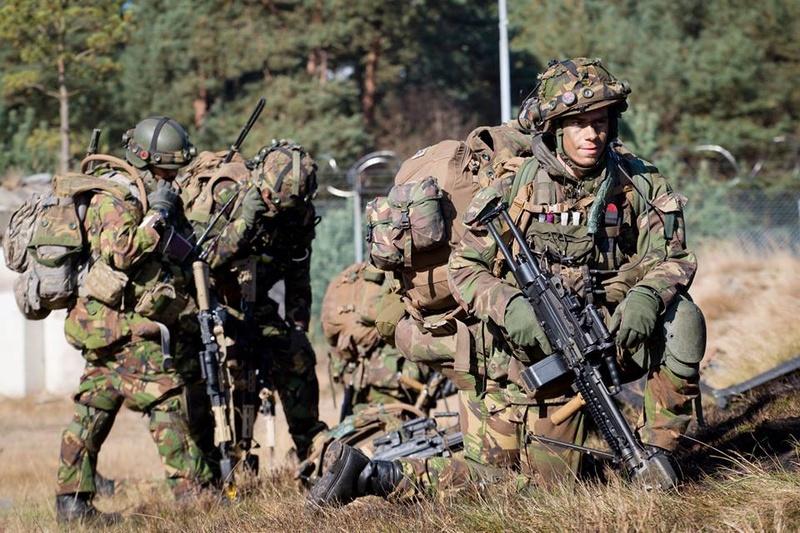 Armée Hollandaise/Armed forces of the Netherlands/Nederlandse krijgsmacht - Page 19 6319