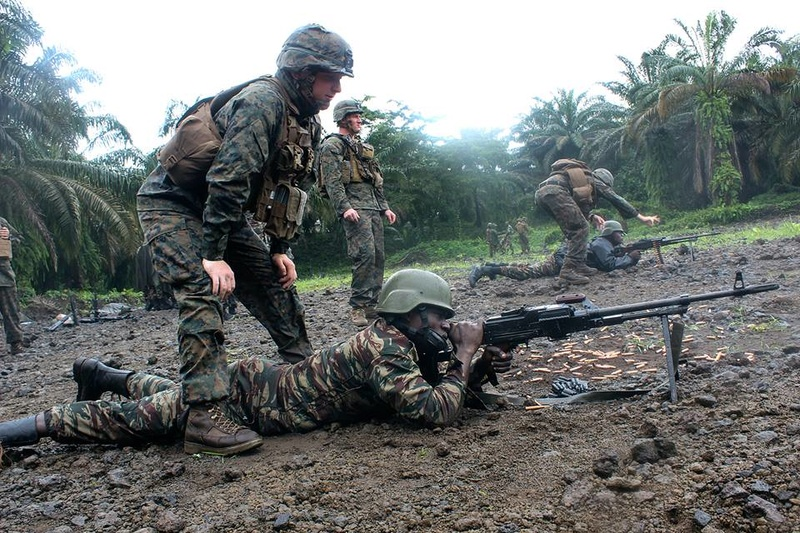 Forces Armées Camerounaises - Page 4 6331