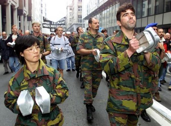 Armée Belge / Defensie van België / Belgian Army  - Page 7 6347