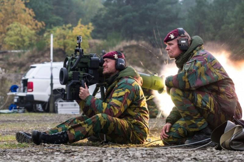 Armée Belge / Defensie van België / Belgian Army  - Page 7 6370