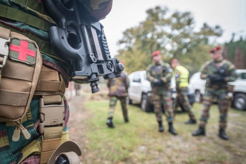 Armée Belge / Defensie van België / Belgian Army  - Page 7 6450
