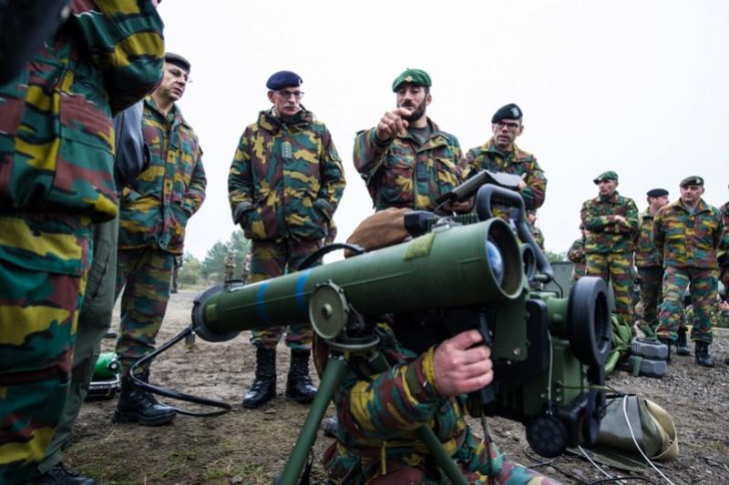 Armée Belge / Defensie van België / Belgian Army  - Page 7 6455