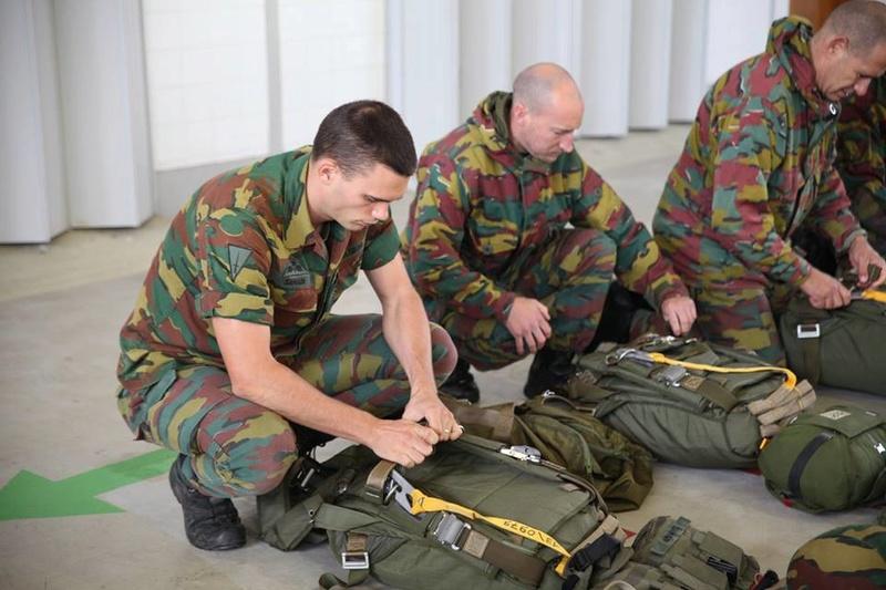 Armée Belge / Defensie van België / Belgian Army  - Page 7 6459