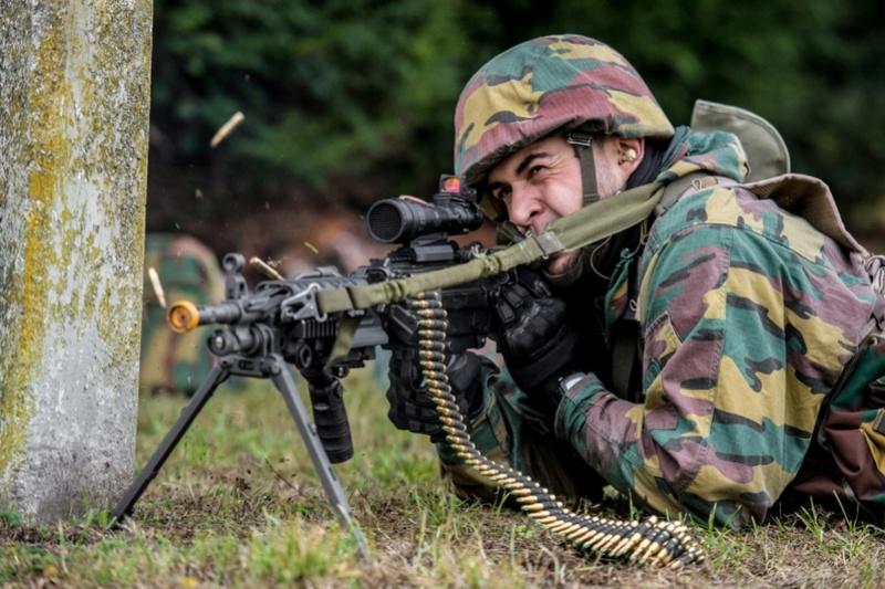 Armée Belge / Defensie van België / Belgian Army  - Page 7 6733
