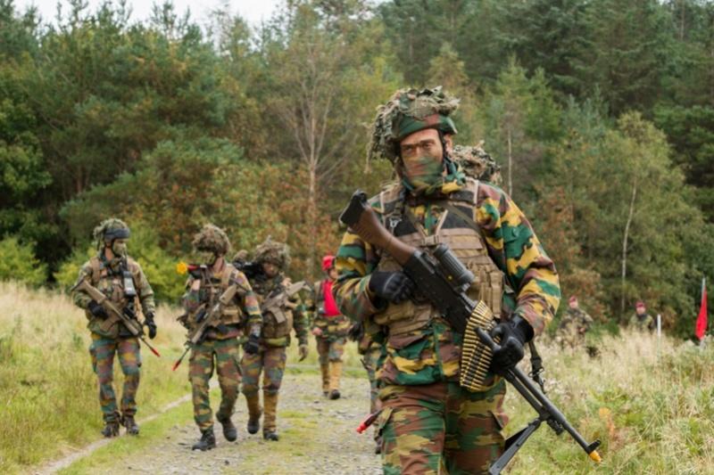 Armée Belge / Defensie van België / Belgian Army  - Page 7 6821