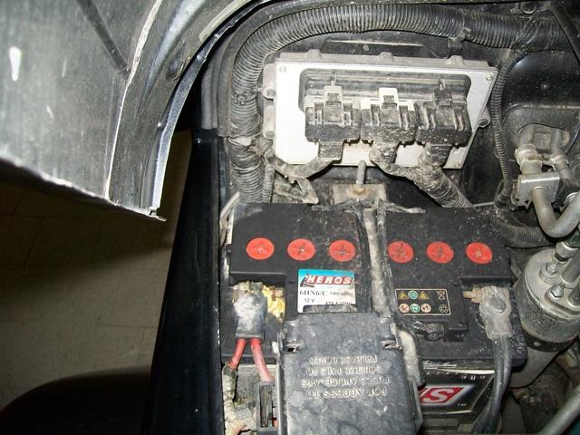 Aiuto - Batteria TJ 2.4 6 speed - dimensioni e lato polo positivo  100_3310